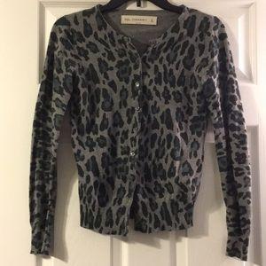 Adorable Zara knit leopard sweater